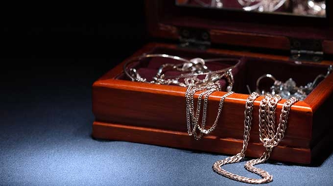 Sentimental Gold – Should I Keep it, or Sell It?